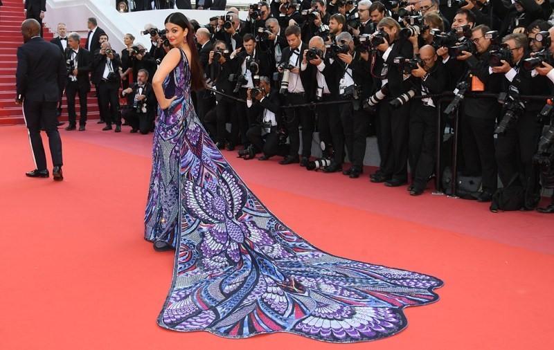 Aishwarya Rai, fashion, model, dress, butterfly