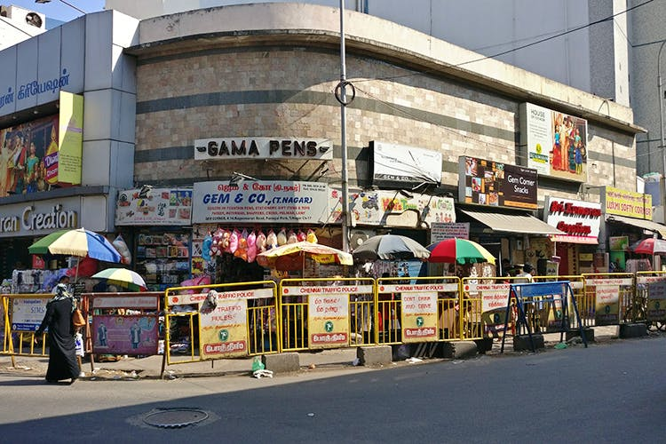 T-NAGAR ( PLACE FOR SHOPPING WITH HIGH DISCOUNTS)