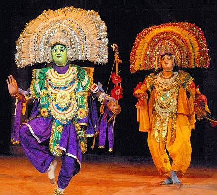 Chau dance is a tradition from eastern India that enacts episodes from epics including the Mahabharata and Ramayana, local folklore and abstract themes. Its three distinct styles hail from the regions of Seraikella, Purulia and Mayurbhanj, the first two using masks.